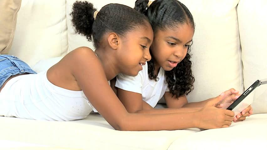 [Education] Premier téléphone de votre enfant: voici les règles à suivre