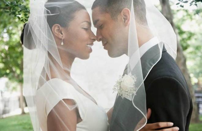 [Vu sur le web ] Incroyable : elle obtient un mariage de rêve grâce à Facebook!