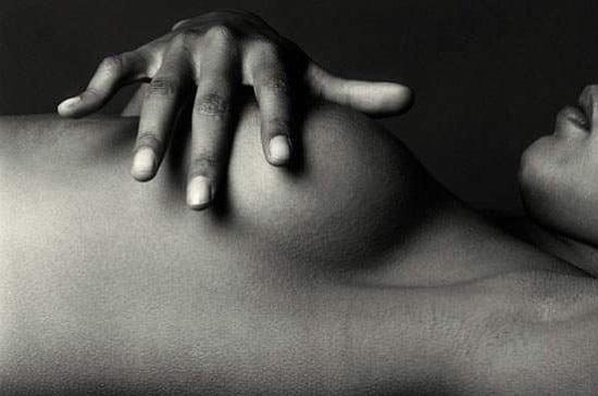 [Beauté] Ces habitudes simples à adopter pour raffermir naturellement les seins